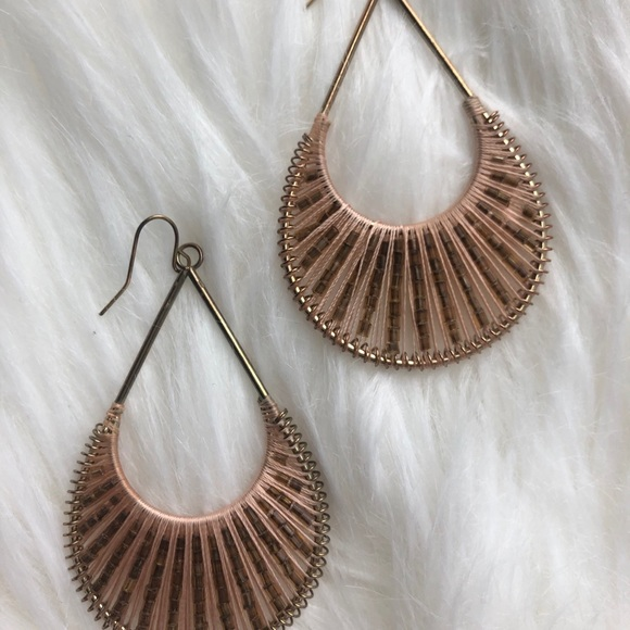 Jewelry - 3/$15❤️ Rose gold threaded earrings with beads